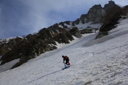 杓子岳の麓の大雪渓